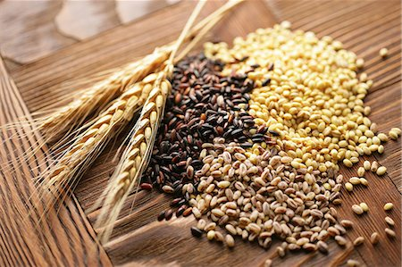 Assorted grains Stock Photo - Premium Royalty-Free, Code: 6106-06434051