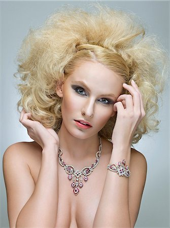 expensive jewelry - Beautiful woman with jewels Stock Photo - Premium Royalty-Free, Code: 6106-06535273