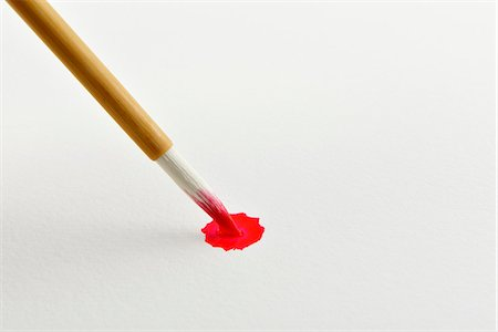 paint - A writing brush and a blur of the paint Stock Photo - Premium Royalty-Free, Code: 6106-06535558