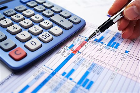 Sterling spreadsheet Stock Photo - Premium Royalty-Free, Code: 6106-06831244