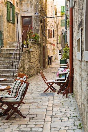 exterior bar - Street in Split. Stock Photo - Premium Royalty-Free, Code: 6106-06831436