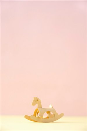 paper - The model of the wooden horse made of the paper Stock Photo - Premium Royalty-Free, Code: 6106-07070100