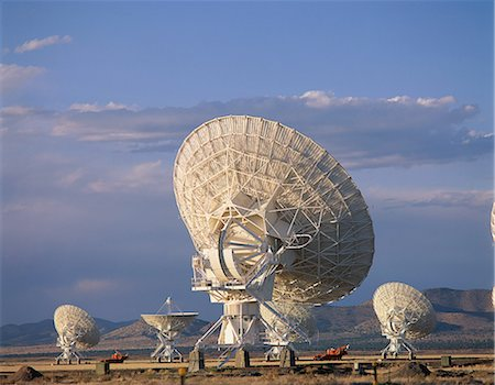 radio telescope - Array/satellite dishes in various positions Stock Photo - Premium Royalty-Free, Code: 6106-07020914