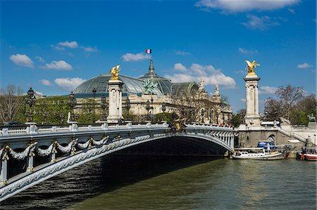 france - Pont (bridge) Alexandre III bridge Stock Photo - Premium Royalty-Free, Code: 6106-07120573