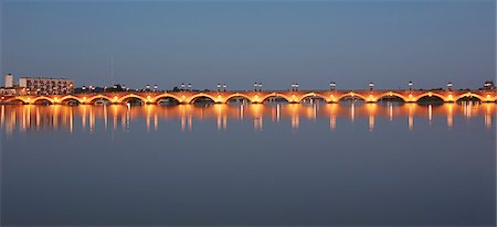 The 'Pont de Pierre' bridge in Bordeaux Stock Photo - Premium Royalty-Free, Code: 6106-07455561