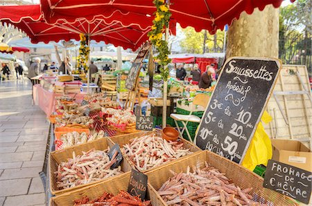 Saussages at the Cassis weekly market Stock Photo - Premium Royalty-Free, Code: 6106-07593844