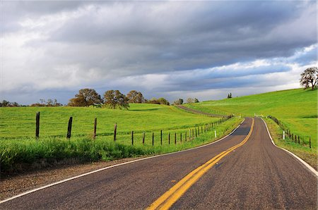 Country road Stock Photo - Premium Royalty-Free, Code: 6106-07594809