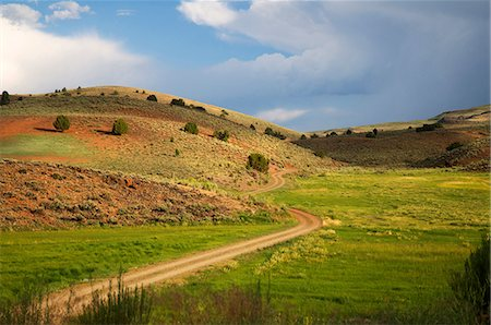 Sierra Nevada foothill landscape with road Stock Photo - Premium Royalty-Free, Code: 6106-07594812