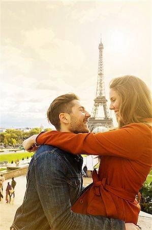 Golden Sunset Light Couple Paris Stock Photo - Premium Royalty-Free, Code: 6106-07539364