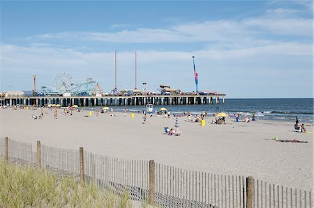 Atlantic City beach and an amusement pier. Stock Photo - Premium Royalty-Free, Code: 6106-07539420