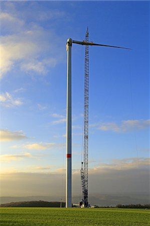 construction of windturbine Stock Photo - Premium Royalty-Free, Code: 6106-07602063