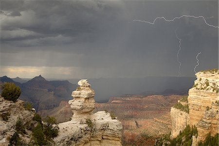 Lightening, rain, sun at Grand Canyon, South Rim Stock Photo - Premium Royalty-Free, Code: 6106-08057906
