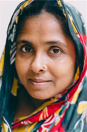 dhaka - Portrait of a middle aged  woman Stock Photo - Premium Royalty-Free, Code: 6106-08080989