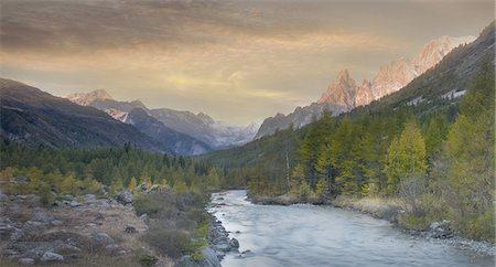 south european - River in a valley at sunrise Stock Photo - Premium Royalty-Free, Code: 6106-08276948