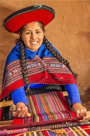 Peruvian woman weaving in Sacred Valley Stock Photo - Premium Royalty-Free, Code: 6106-08278304