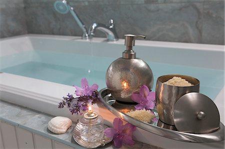 Bathtub Spa Stock Photo - Premium Royalty-Free, Code: 6106-08351026
