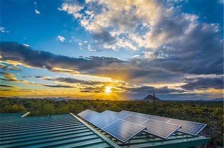 solar panel usa - Solar panels at sunset Stock Photo - Premium Royalty-Free, Code: 6106-08480504