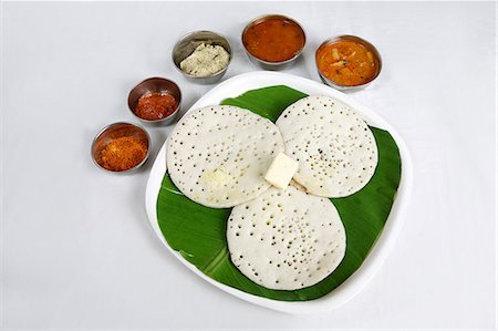 south - Kerela dish appam served in a plate Stock Photo - Premium Royalty-Free, Code: 6107-06117496