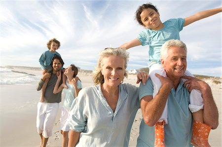 Family on the beach Stock Photo - Premium Royalty-Free, Code: 6108-05858260