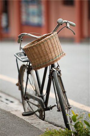 road landscape - Bicycle parked at the roadside Stock Photo - Premium Royalty-Free, Code: 6108-05864582
