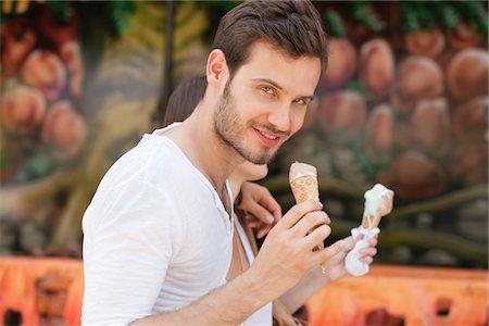 eating ice cream - Couple eating ice creams, Paris, Ile-de-France, France Stock Photo - Premium Royalty-Free, Code: 6108-05873122