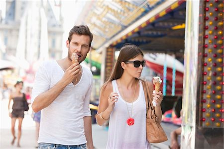 eating ice cream - Couple eating ice creams, Paris, Ile-de-France, France Stock Photo - Premium Royalty-Free, Code: 6108-05873126