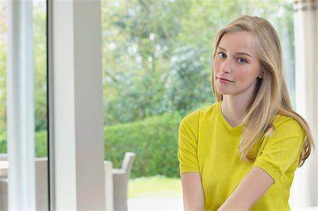 Portrait of a beautiful woman Stock Photo - Premium Royalty-Free, Code: 6108-06166169