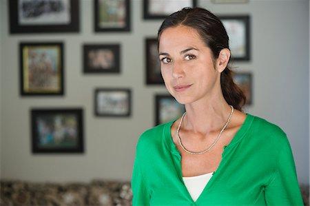 Portrait of a woman Stock Photo - Premium Royalty-Free, Code: 6108-06907158