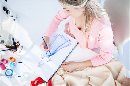 drawing - Blonde fashion designer drawing clothes Stock Photo - Premium Royalty-Free, Code: 6109-06781986