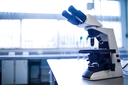 science & technology - Microscope in the laboratory Stock Photo - Premium Royalty-Free, Code: 6109-08389836