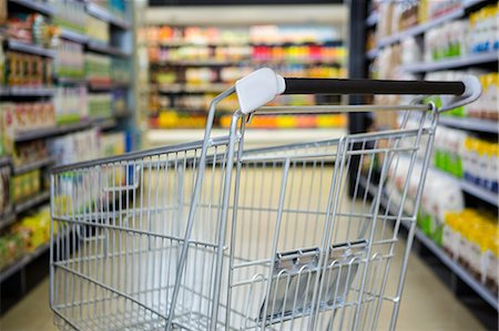 empty shopping cart - View of an empty trolley Stock Photo - Premium Royalty-Free, Code: 6109-08389996