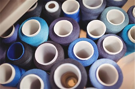 Colorful spools of thread in the box Stock Photo - Premium Royalty-Free, Code: 6109-08701535