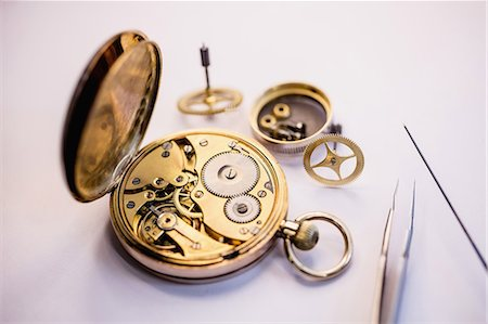 Old pocket watch machine with gears Stock Photo - Premium Royalty-Free, Code: 6109-08705177