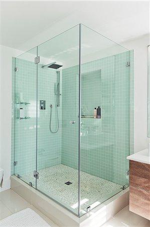 shower - Shower in modern bathroom Stock Photo - Premium Royalty-Free, Code: 6113-06898734