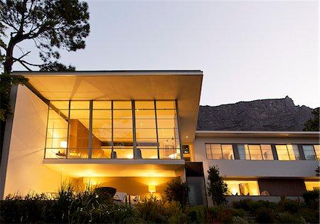property release - Modern house illuminated at night Stock Photo - Premium Royalty-Free, Code: 6113-07147567