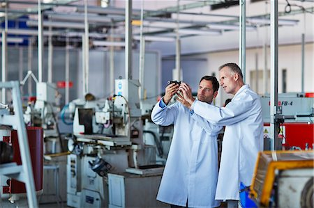Scientists working in laboratory Stock Photo - Premium Royalty-Free, Code: 6113-07159059