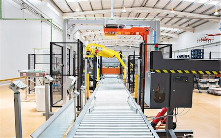 production - Conveyor belt in factory Stock Photo - Premium Royalty-Free, Code: 6113-07160302