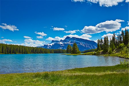 Snowy mountains overlooking lake Stock Photo - Premium Royalty-Free, Code: 6113-07160757