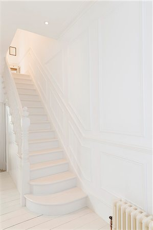 White staircase in modern house Stock Photo - Premium Royalty-Free, Code: 6113-07160734