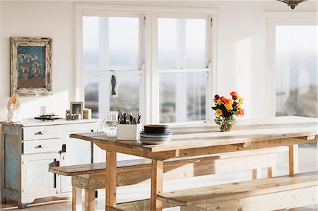 Wooden table in dining room Stock Photo - Premium Royalty-Free, Code: 6113-07160815