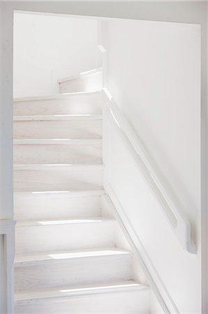 White staircase Stock Photo - Premium Royalty-Free, Code: 6113-07160822