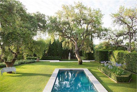 pool - Pool in formal garden Stock Photo - Premium Royalty-Free, Code: 6113-07242100