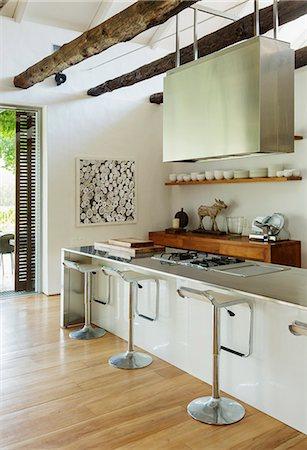 Modern kitchen Stock Photo - Premium Royalty-Free, Code: 6113-07542755