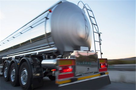 Stainless steel milk tanker on the road Stock Photo - Premium Royalty-Free, Code: 6113-07565434