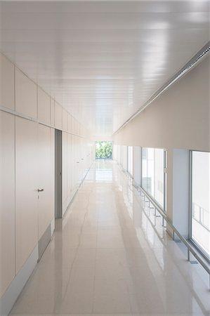 Long vacant corridor Stock Photo - Premium Royalty-Free, Code: 6113-07589094
