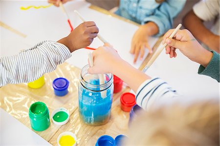 school - Students painting in class Stock Photo - Premium Royalty-Free, Code: 6113-07731153