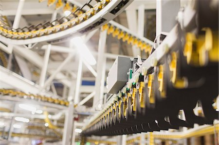 Printing press conveyor belts in printing plant Stock Photo - Premium Royalty-Free, Code: 6113-08393586