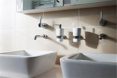 Two sinks Stock Photo - Premium Royalty-Free, Code: 6114-06598226