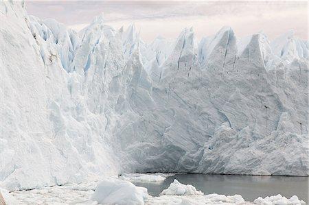 perito moreno glacier - Perito moreno glacier in southern argentina Stock Photo - Premium Royalty-Free, Code: 6114-06598934