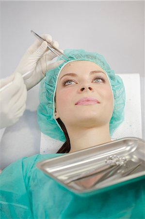 Patient In Treatment Stock Photo - Premium Royalty-Free, Code: 6115-06733270
